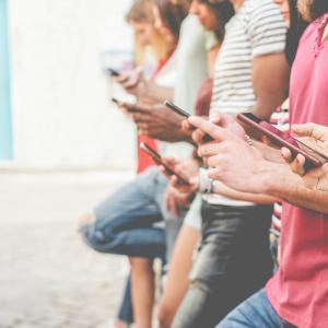 Top 3 Powerful Digital Marketing Trends in 2020 - Mobile Phones